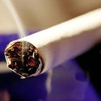 Rauchen gilt als Risikofaktor für die Altersbedingte Makuladegeneration (AMD). - Foto: djd/ursapharm