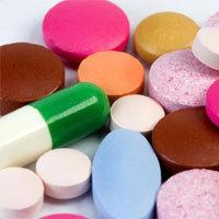 Kunterbuntes Tabletten-Allerlei: Statt wichtiger Utensilien für den Notfall enthalten viele Hausapotheken nur Arzneimittelmüll. obx-medizindirekt gibt Tipps, wie man seine Hausapotheke optimal bestücken sollte. - Foto: obx-medizindirekt