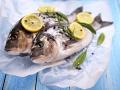 Fisch und Meeresfrüchte frisch vom Grill