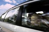 Unbeschwert in den Urlaub: Fahrerassistenzsysteme bieten nicht nur mehr Sicherheit, sie können gleichzeitig auch noch ordentliche Rabatte bei der Kfz-Versicherung bringen. - Foto: djd/Volkswagen AG