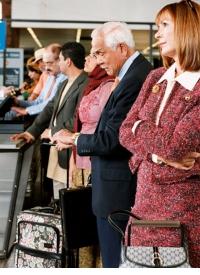 Anschlussflug wegen Verspätung verpasst? Wer mehr als drei Stunden später am Ziel ankommt, bekommt Entschädigung. - Foto: djd/fluege.de/thx