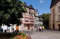 Idylle pur erlebt man beim Bummel durch Wetzlars romantische Altstadt. - Foto: djd/Tourist-Information Wetzlar