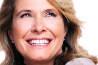 Rosige Gesichtshaut und volles, glänzendes Haar gelten als Attribute für jugendliches Aussehen. - Foto: djd/Biotin Impuls-Forschung/fotolia.de/Kurhan