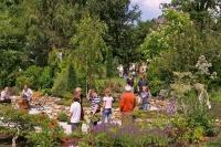 Zu den kulturellen Highlights zählen die Dötlinger Gartenkultour und die Huder Gartenerlebnisse. - Foto: djd/Naturpark Wildeshauser Geest