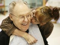 Die Deutschen haben zunehmend Angst vor Alzheimer oder Demenz. Foto: DAK | iStock