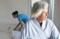 Das Risiko der Pflegebedürftigkeit ist den Deutschen bewusst - gehandelt wird aber oftmals nicht.  Foto: djd | Allianz | Corbis