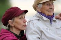 Andrea S. hat ihren Vollzeitberuf aufgegeben, um die Großmutter zu pflegen. Beide leben von Hartz Vier und einer kleinen Rente. Foto: © ZDF | Tiemo Fenner