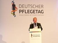 Mit der gesellschaftlichen Herausforderung, der Pflege, wird sich vom 10. bis zum 12. März 2016 der Deutsche Pflegetag in Berlin befassen. Foto: djd | www.deutscher-pflegetag.de