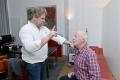 Ex-Lindenstraßen-Star Bill Mockridge macht Fahrfitness-Check