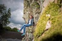 Der Saar-Hunsrück-Steig: Von der mittelalterlichen Wildenburg aus hat man eine beeindruckende Aussicht. Foto: djd | Naheland-Touristik