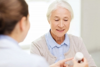 Apotheker können Arzneimitteltherapie in Pflegeheimen verbessern... Foto: © Syda Productions - Fotolia.com