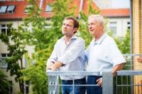 Mietfrei wohnen ist im Alter eine schöne Sache. Eine einseitige Fokussierung auf Immobilien zur Altersvorsorge birgt aber auch Risiken. Foto: djd | axa.de