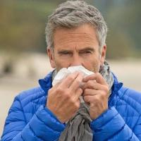 Verstopfte Nase und Nebenhöhlen sind besonders unangenehme Begleiterscheinungen einer Erkältung. Foto: djd | GeloMyrtol