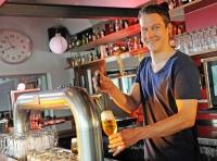 In Deutschland gibt es die unterschiedlichsten Biersorten - mit Abstand am beliebtesten ist allerdings unverändert das Pils. Foto: djd | Brauerei C. & A. Veltins