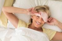 Sie hat ihre Schlafprobleme offensichtlich in den Griff bekommen - entsprechende Störungen sollte man generell sehr ernst nehmen. Foto: djd | Neurexan/thx