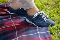 Beim Wandern etwa sind bequeme Schuhe ratsam, bei denen man bei Bedarf das Fußbett gegen eine maßangefertigte orthopädische Einlage tauschen kann. Foto: djd | Florett - Varomed