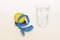 Zur Senkung der Harnsäure ist es wichtig, täglich mindestens zwei Liter zu trinken. Foto: pixabay.com/svendavidmueller/spp-o