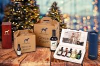 Wer einem Genießer zu Weihnachten eine Freude machen will, kann ihm ein Genuss-Set schenken, mit dem er die ganze Vielfalt von Gin erleben wird. Foto: djd | Windspiel Manufaktur GmbH