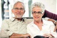 Senioren mit Durchblick - Foto: Peter Boettcher/ZVA/akz-o